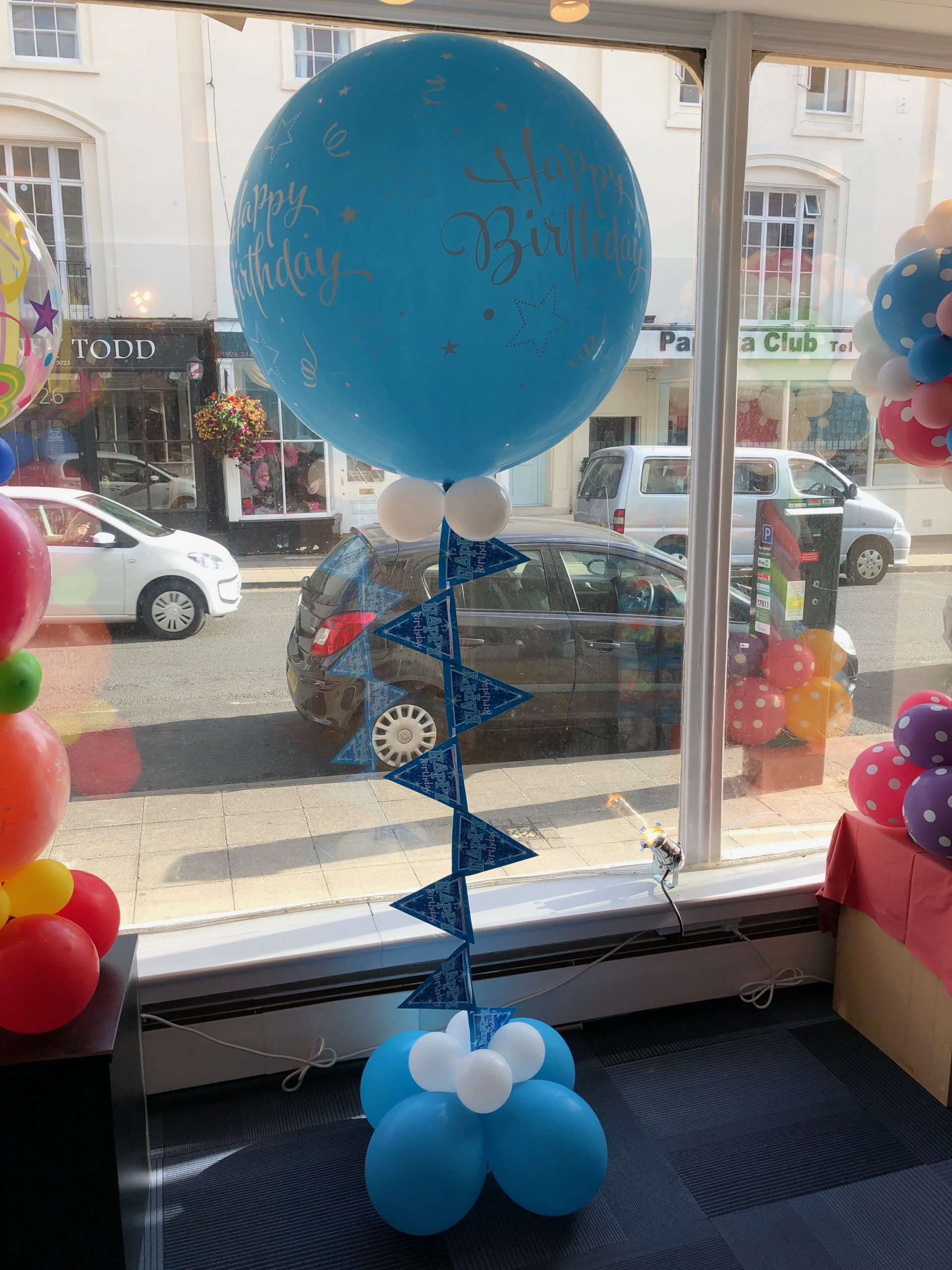3ft Happy birthday balloon with bunting