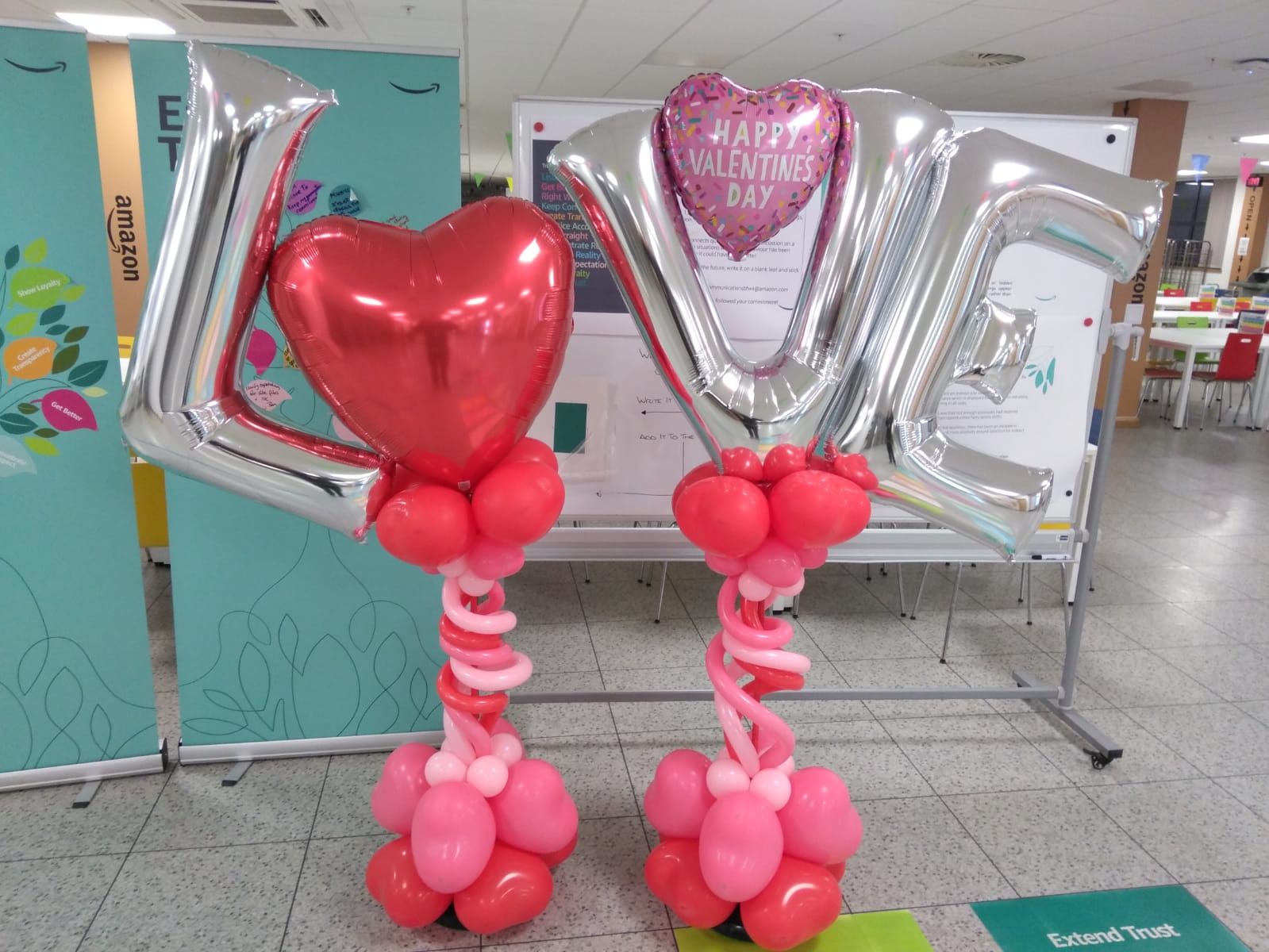 Personalised large balloon heart decoration